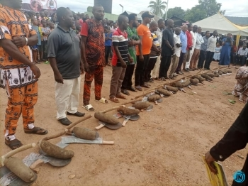 LG chairman empowers constituents with one tuber of yam, hoe and cutlass